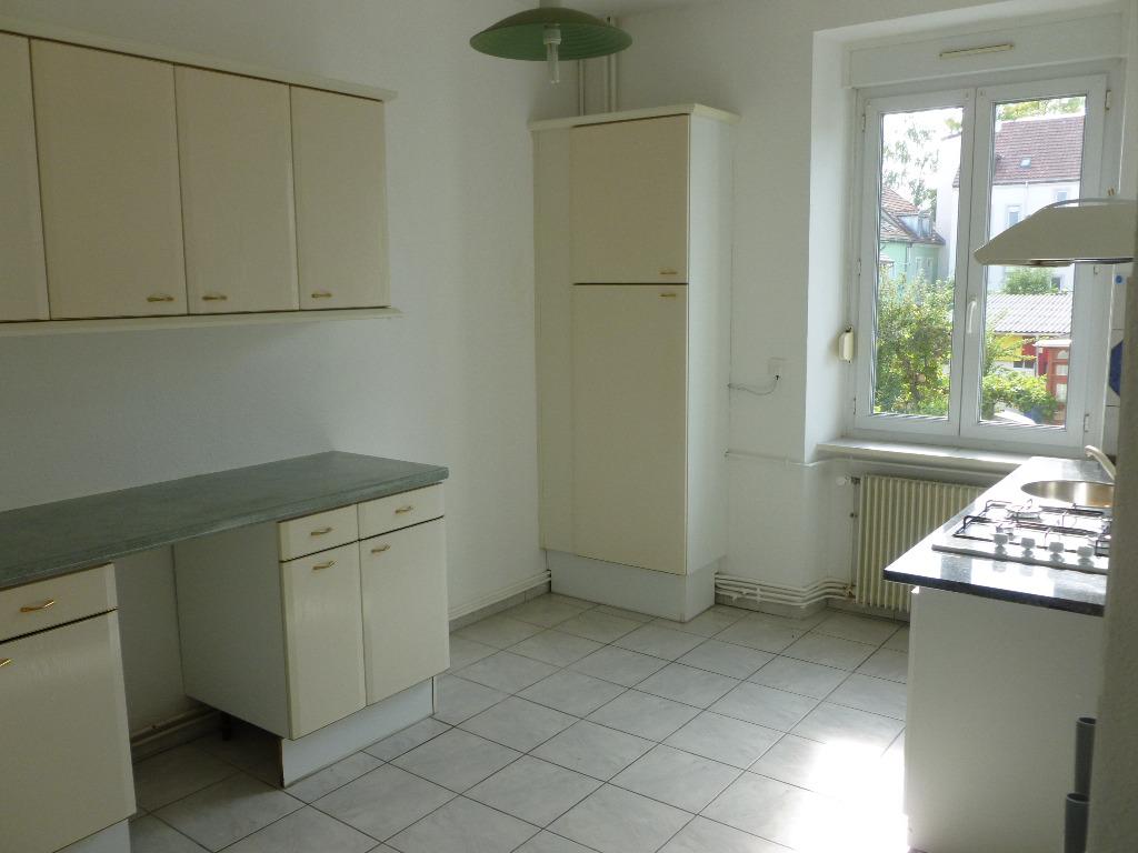 Location louer appartement de 2 pi ces mulhouse for Garage a louer mulhouse