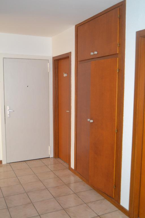 location louer appartement de 4 pi ces mulhouse 68100 en alsace area immobilier l381vs. Black Bedroom Furniture Sets. Home Design Ideas