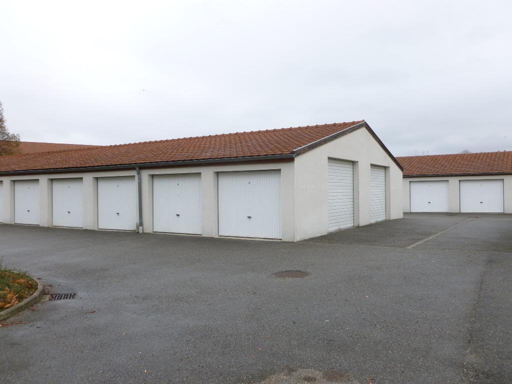 Location louer parking de 0 pi ces mulhouse 68100 for Garage a louer mulhouse